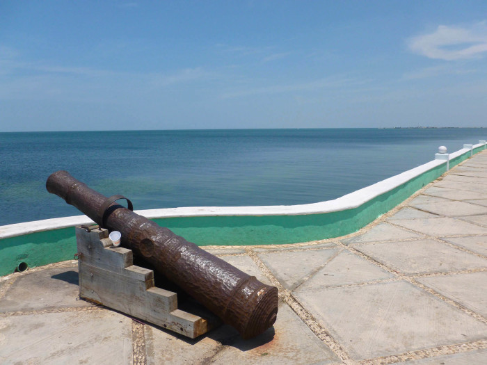 A cannon along the malecón. The water here on the Gulf side of the Yucatan is definitely not as pretty as it is on the Caribbean side.