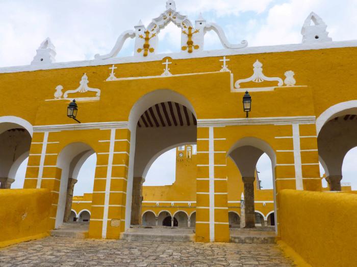 The gate to the Convento de San Antonio de Padua.