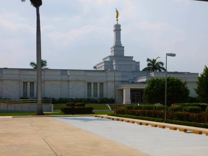 The Merida LDS temple