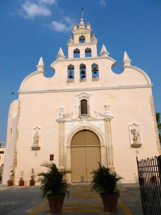 La Iglesia de Santiago, Merida