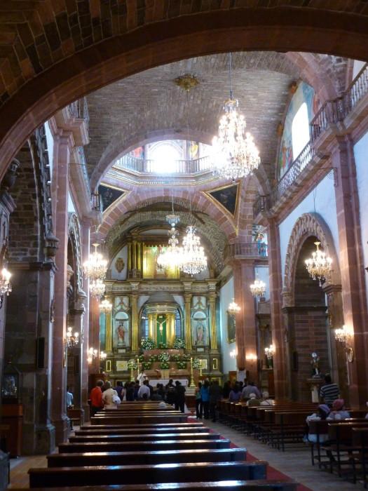 Inside La Parroquia de San Miguel Arcángel