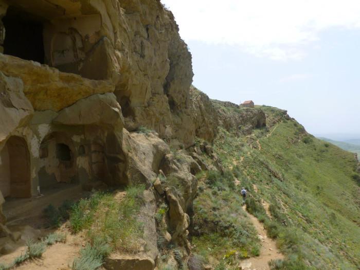 The trail alongside the Udabno caves