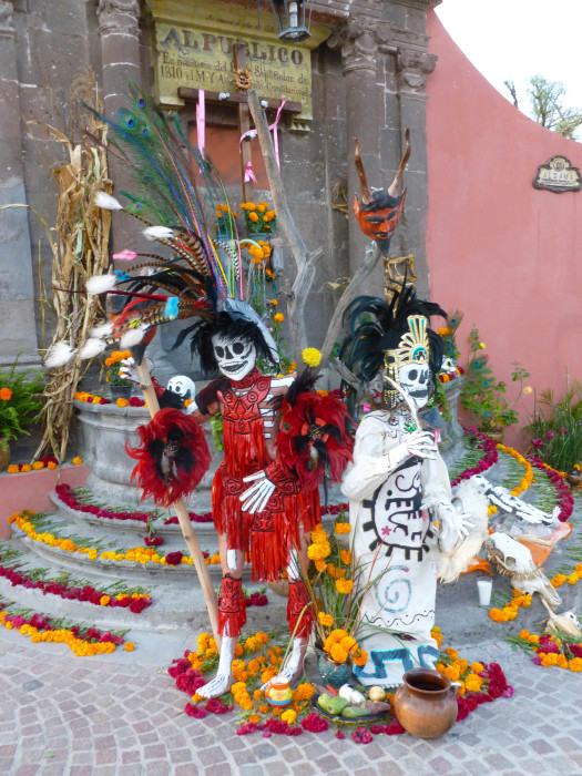 I arrived in San Miguel on the Day of the Dead, and there were things like this throughout the town.