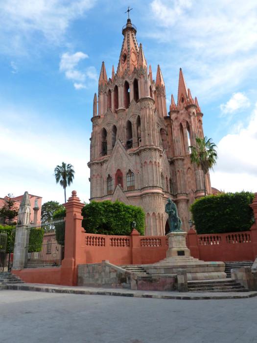 La Parroquia de San Miguel Arcángel, one of the most beautiful buildings I've ever seen