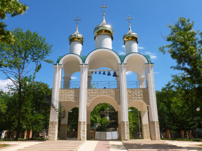 Some sort of religious gate thing at the entrance to a park in Tiraspol