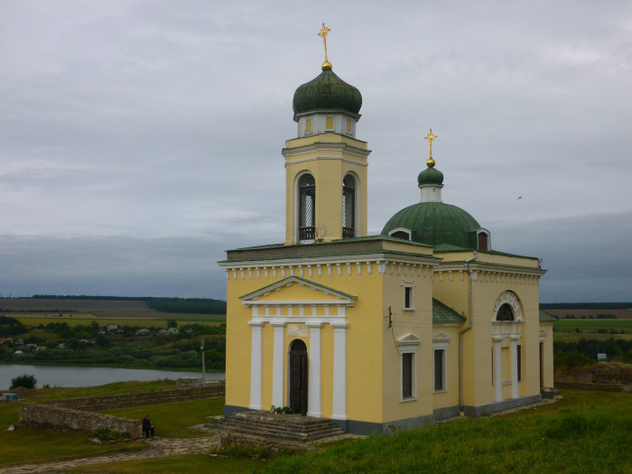 The church next to Khotyn Fortress