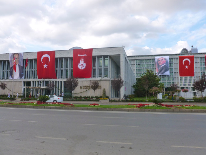 One thing that struck me was just how many Turkish flags there were all over the city. I saw more flags in Istanbul than I've seen anywhere else in the world. Turkish nationalism is strong.